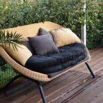 Für schöne Plätze mit Gartenbänke unter freiem Himmel